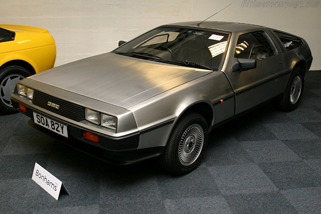 Click here to open the DeLorean DMC 12 gallery