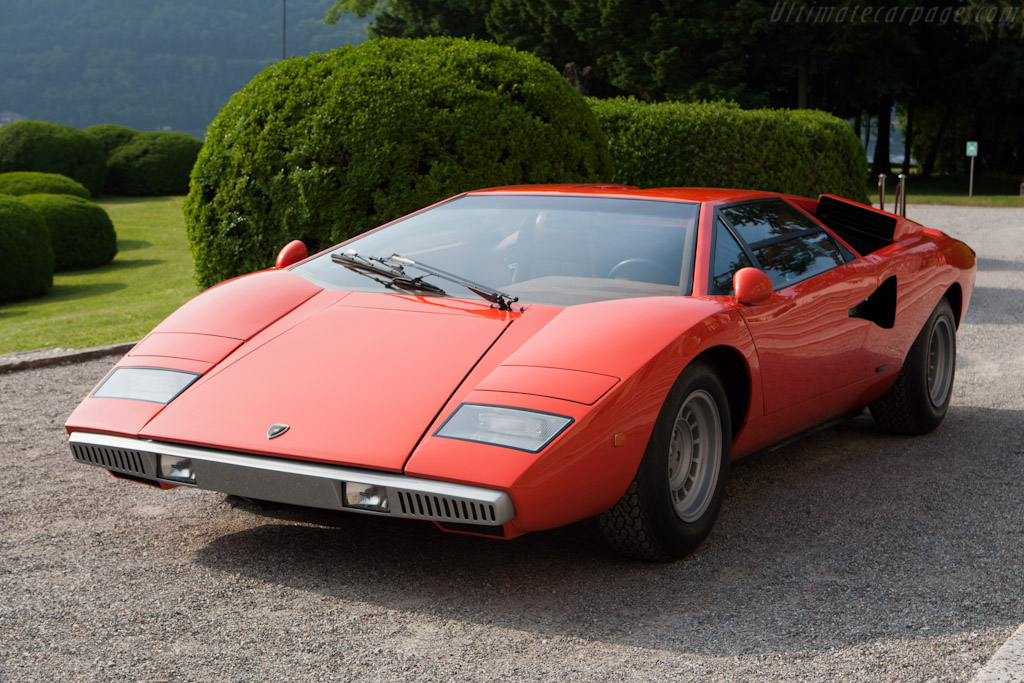 Click here to open the Lamborghini Countach LP400 gallery