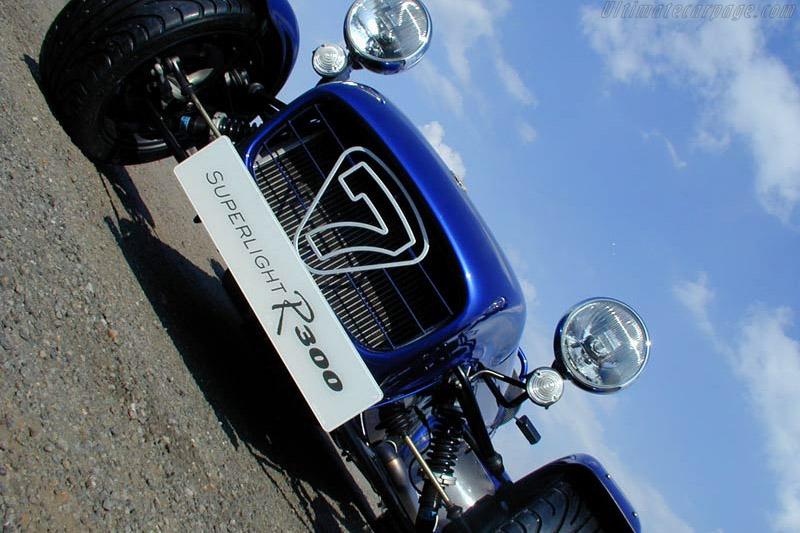 Caterham Seven Superlight R300