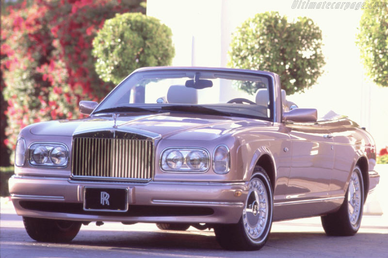 Click here to open the Rolls-Royce Corniche gallery