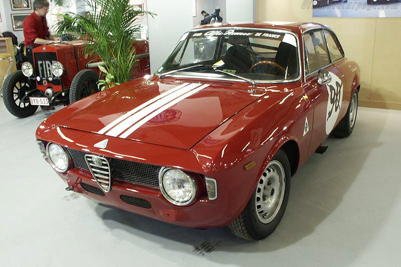 Click here to open the Alfa Romeo Giulia Sprint 1600 GTA gallery