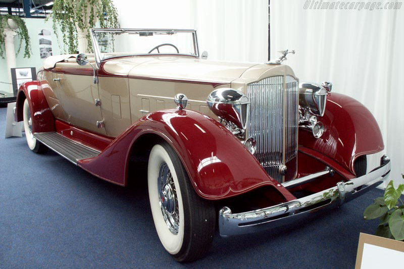 Click here to open the Packard Super Eight Roadster gallery