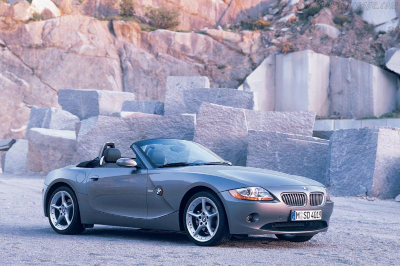 Click here to open the BMW Z4 3.0 gallery