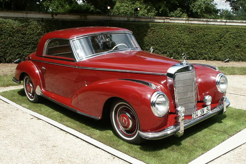 Click here to open the Mercedes-Benz 300 S Coupe gallery