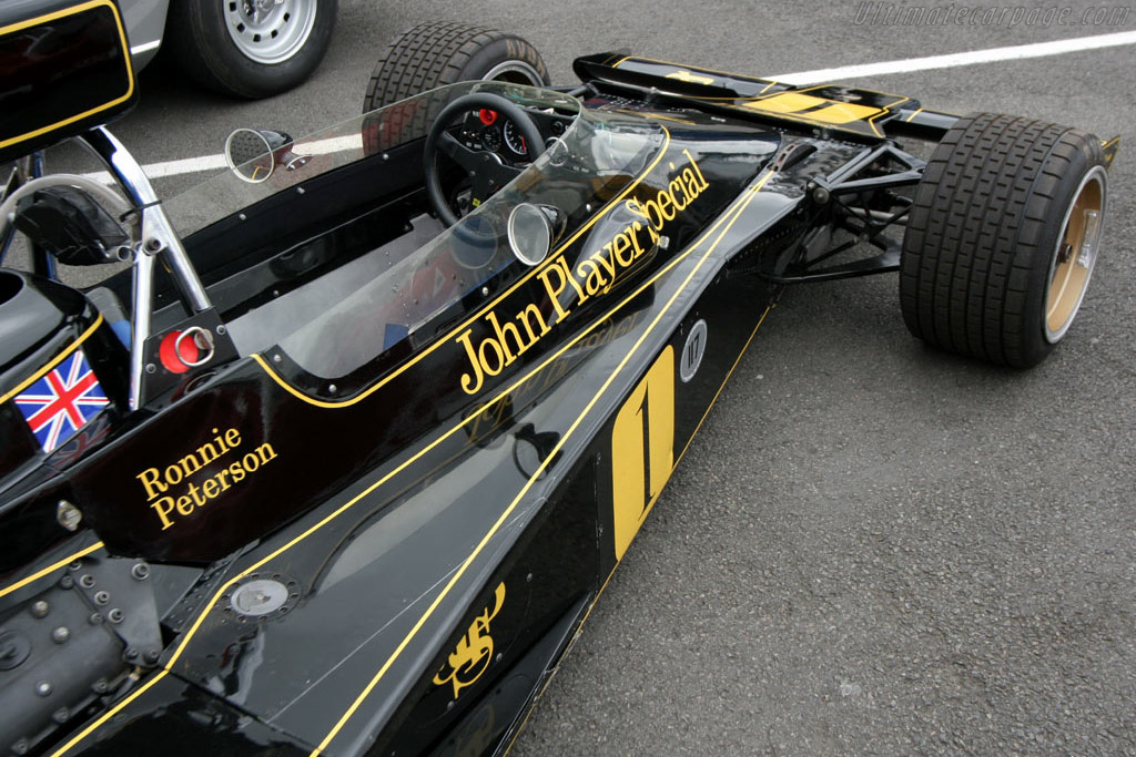 Lotus 76 Cosworth - Chassis: JPS9   - 2005 Silverstone Classic