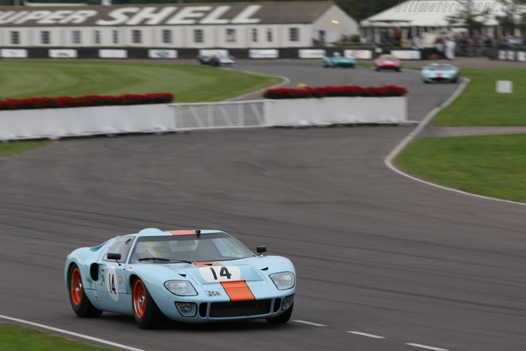 Ford GT40 Mk I Gulf - Chassis: GT40P/1084  - 2007 Goodwood Revival