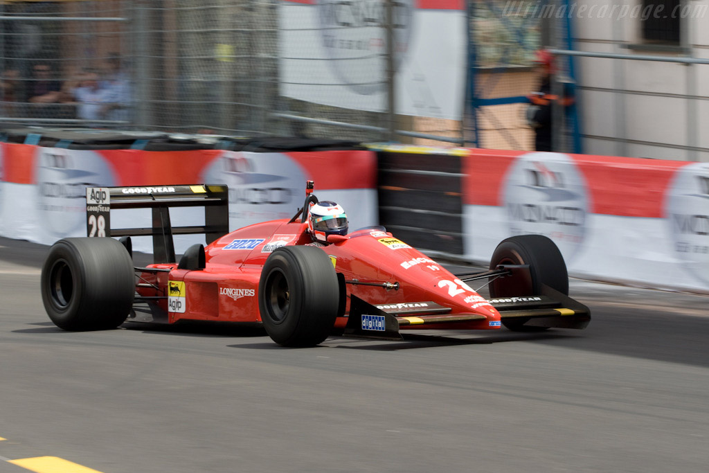 Click here to open the Ferrari F1-87 gallery