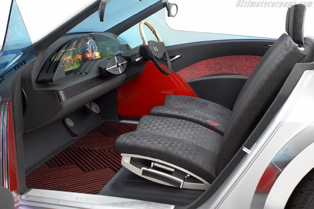 Nissan Jikoo
