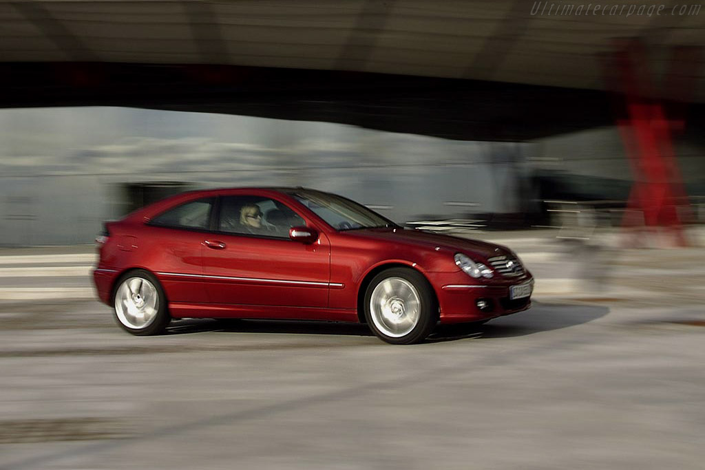 2004 Mercedes-Benz C 200 CGI SC - Images, Specifications ...