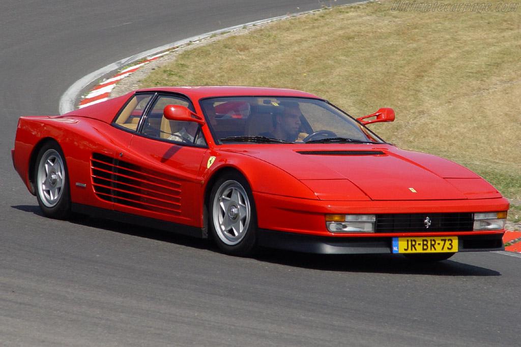 Click here to open the Ferrari Testarossa gallery