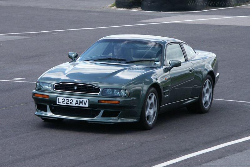 Aston Martin V Vantage V