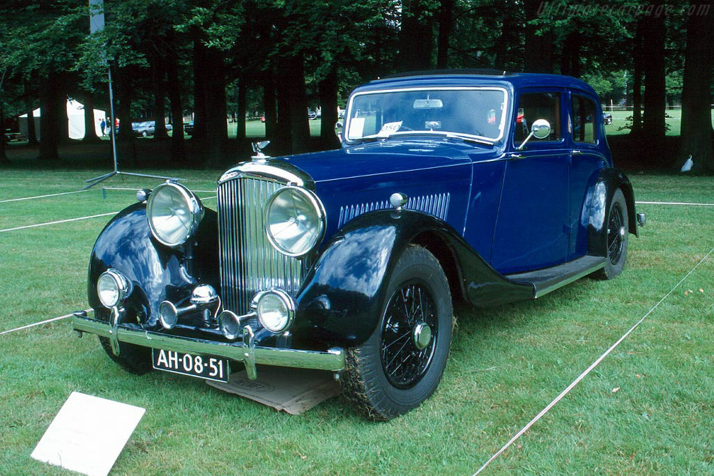 Bentley 4¼ Litre Park Ward Sedan