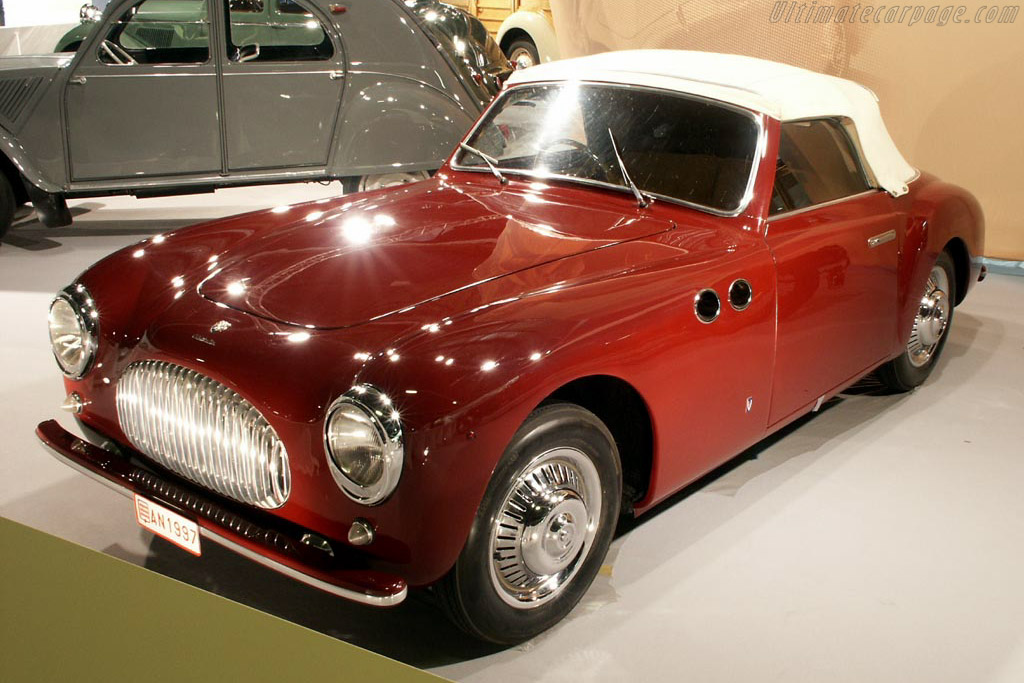 Click here to open the Cisitalia 202 SC Vignale Cabriolet gallery