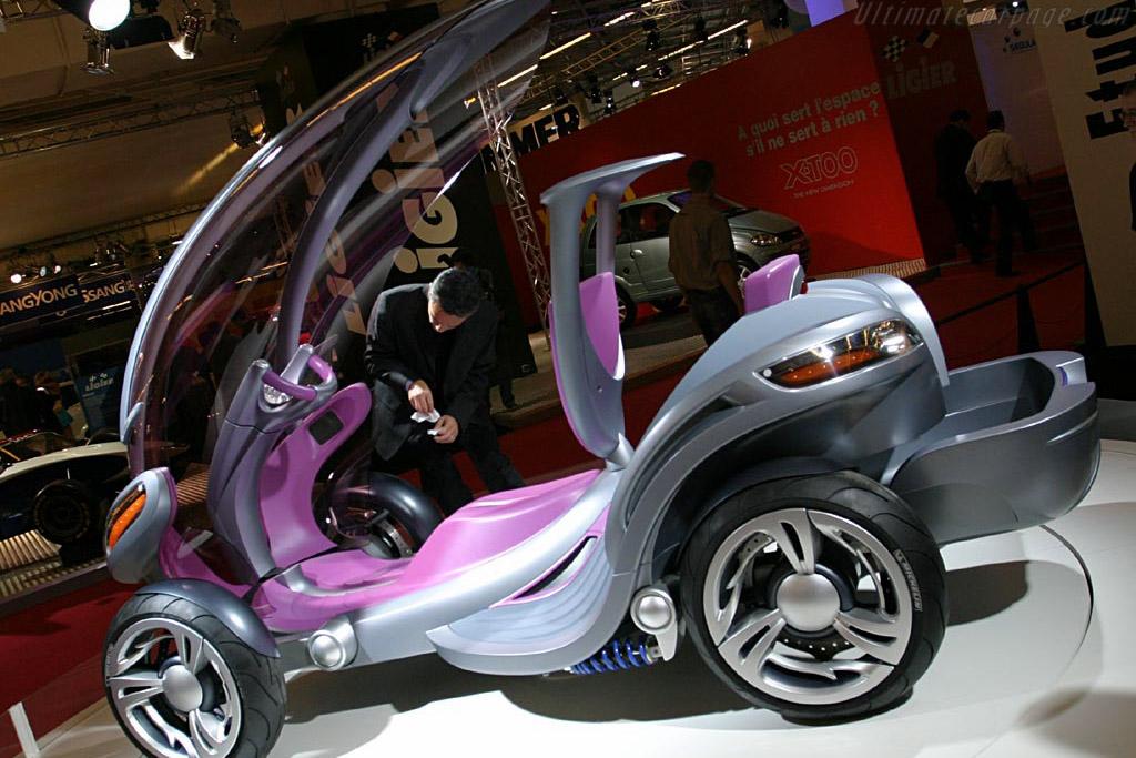 Etud Scooto Concept    - 2004 Mondial de l'Automobile Paris