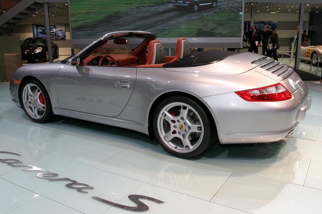 Porsche 997 Carrera S Cabriolet    - 2005 North American International Auto Show (NAIAS)