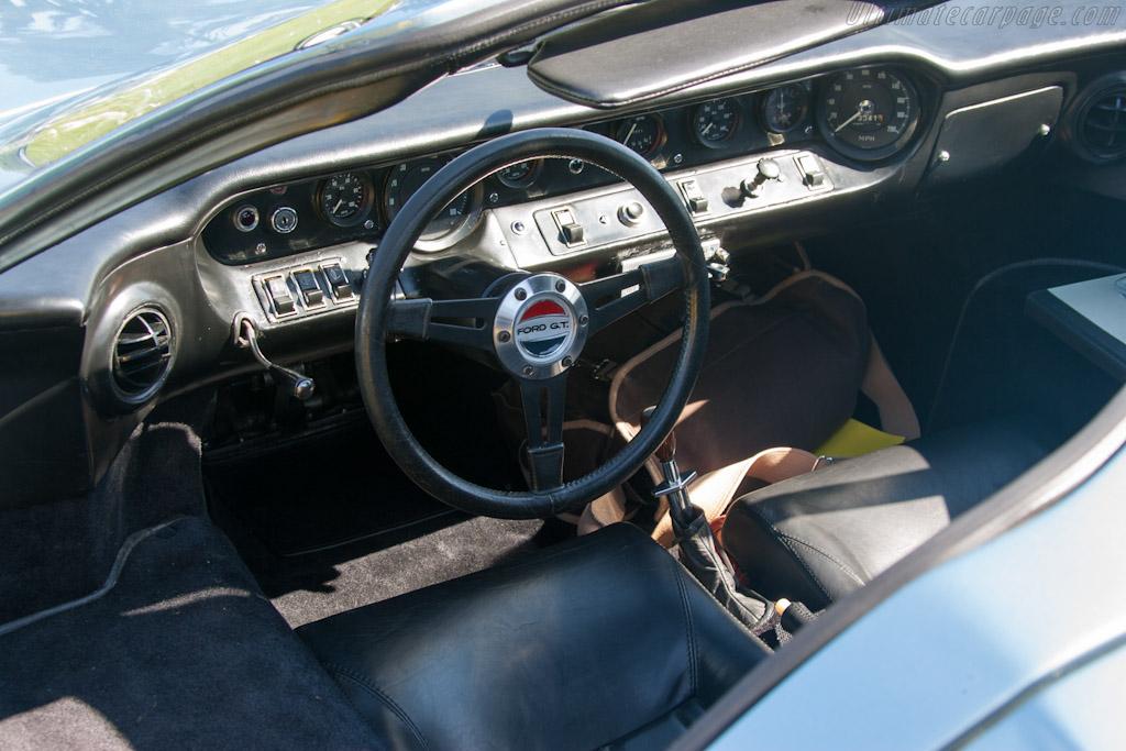 Ford-GT40-Mk-III.jpg