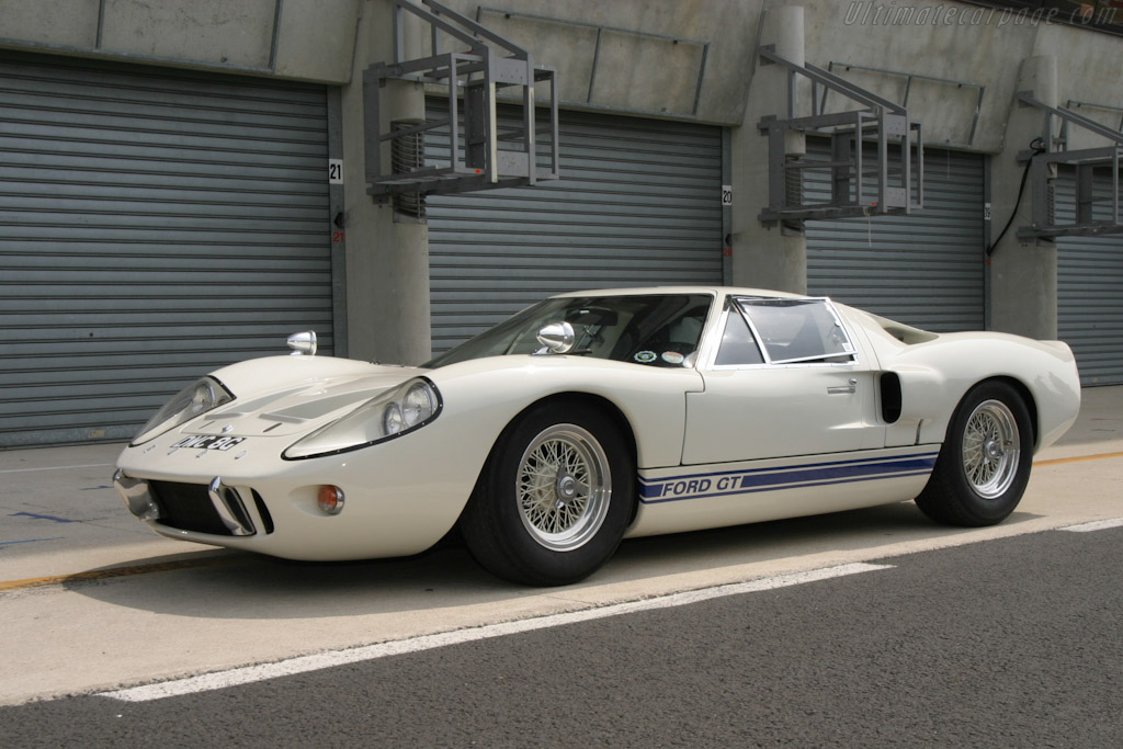 Ford GT40 Mk III - Chassis: M3/1107 - 2004 Le Mans Classic