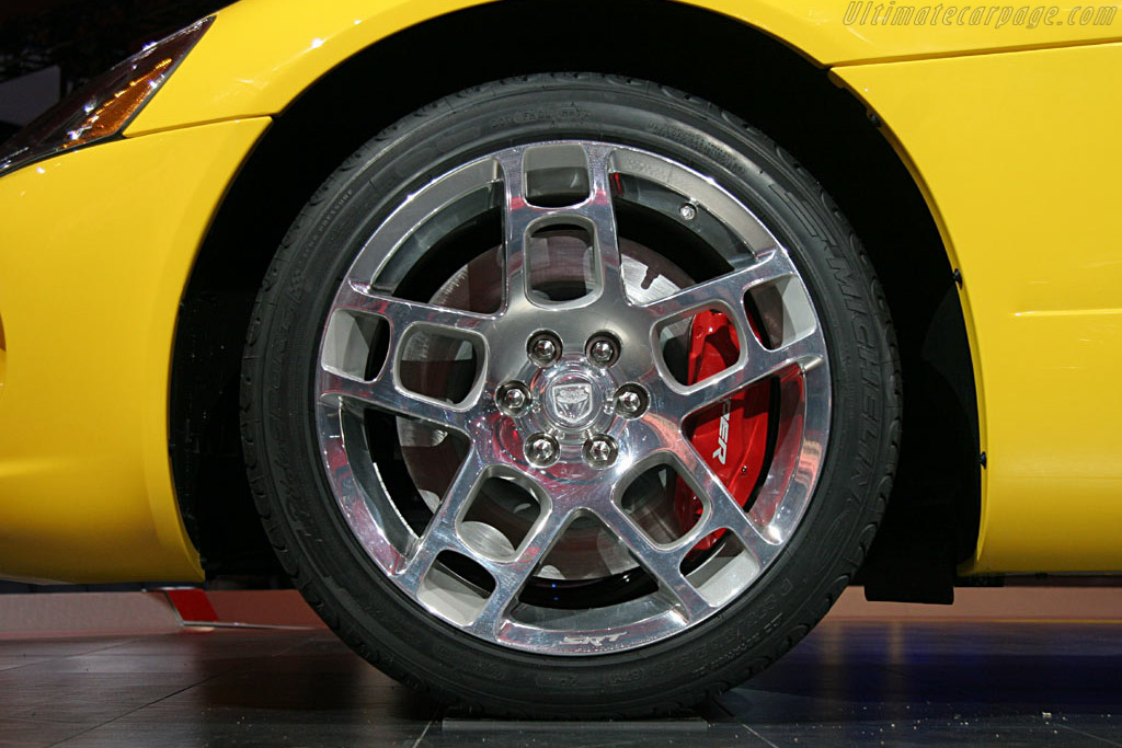 Dodge Viper SRT-10 Coupe    - 2006 North American International Auto Show (NAIAS)
