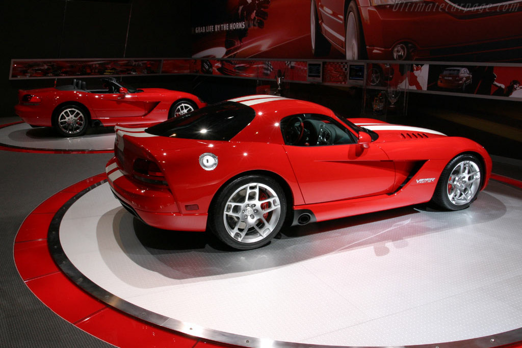 Dodge Viper SRT-10 Coupe    - 2006 North American International Auto Show (NAIAS)