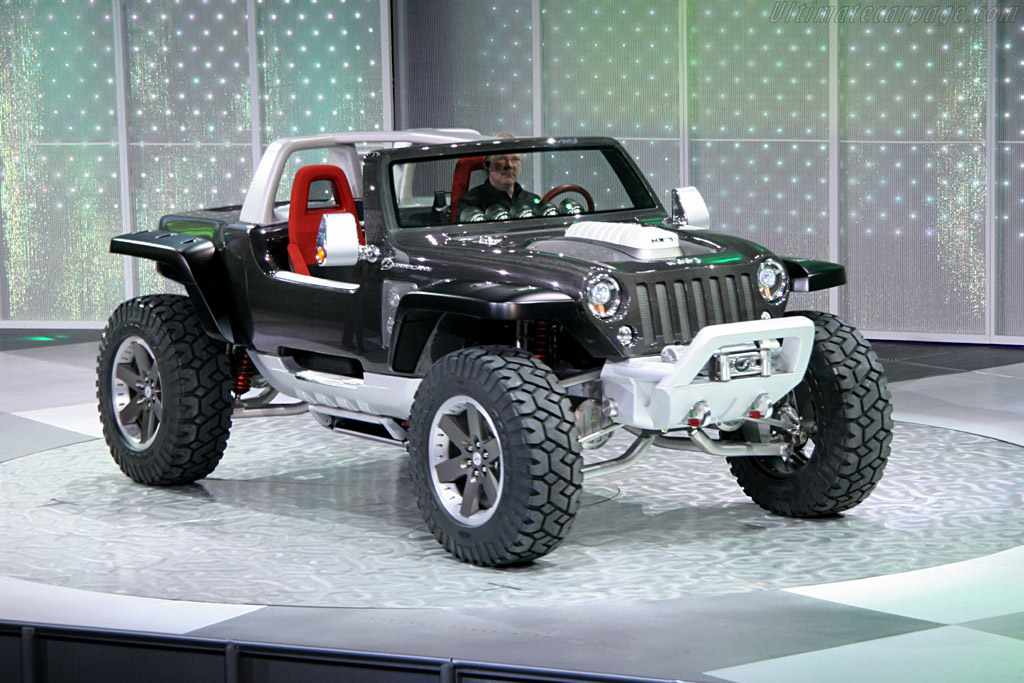 Click here to open the Jeep Hurricane Concept gallery
