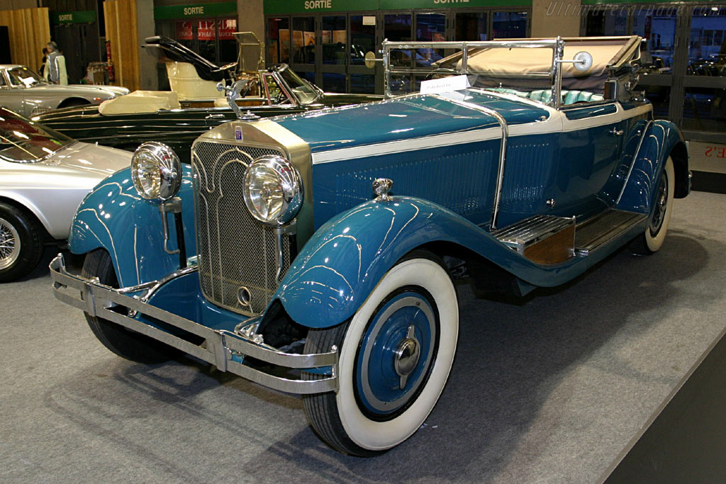 Click here to open the Isotta Fraschini 8A Castagna Roadster gallery