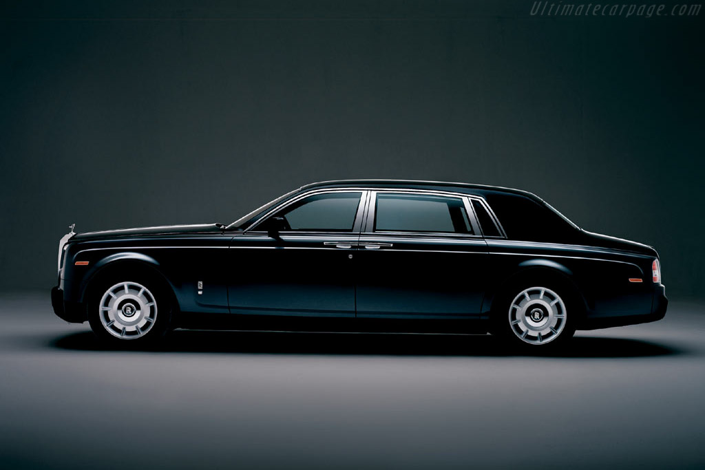 Click here to open the Rolls-Royce Phantom LWB gallery