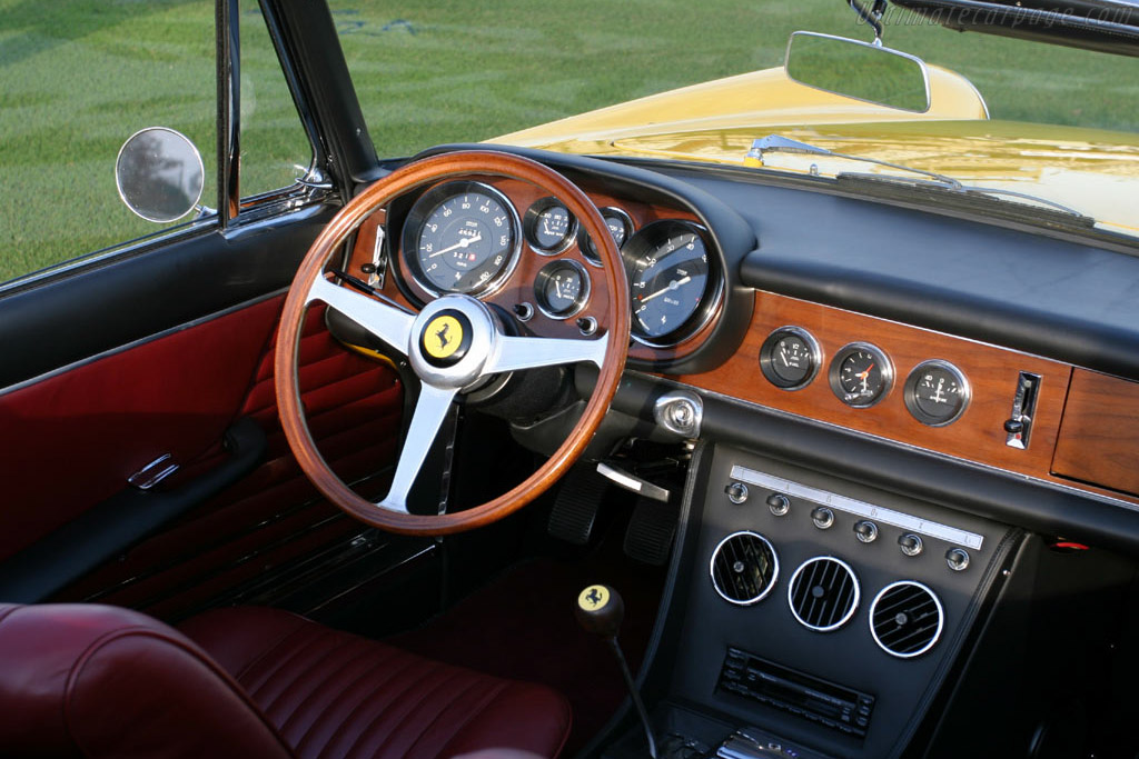 Ferrari 330 GTS - Chassis: 11027   - 2005 Palm Beach International, a Concours d'Elegance