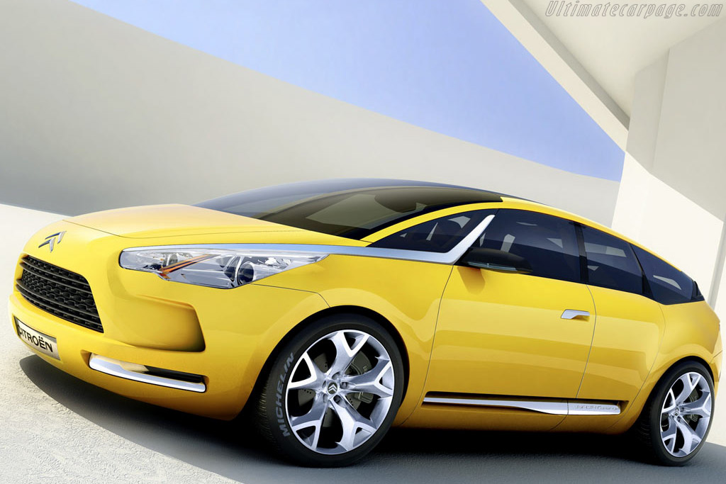 Click here to open the Citroën C-Sportlounge Concept gallery