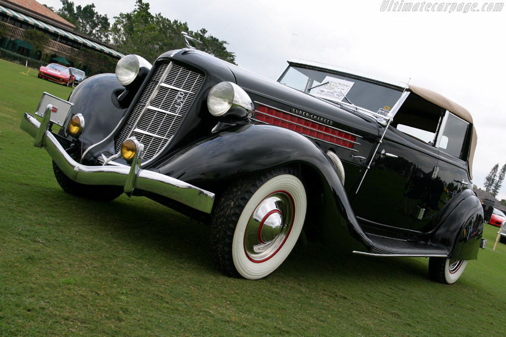 Click here to open the Auburn 851 SC Phaeton gallery