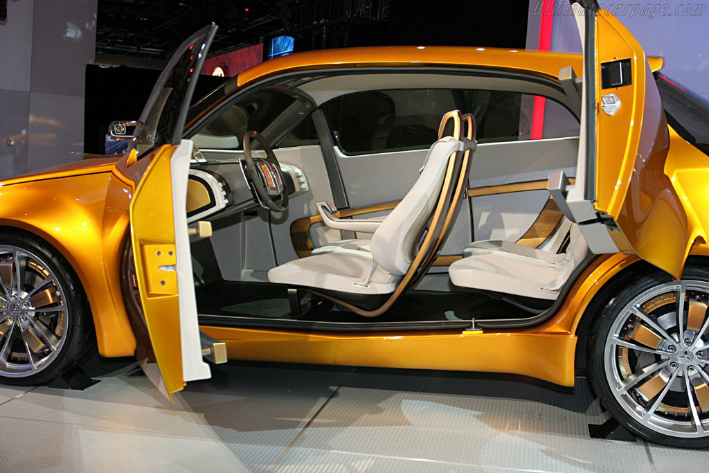 Mitsubishi Concept-CT MIEV    - 2006 North American International Auto Show (NAIAS)
