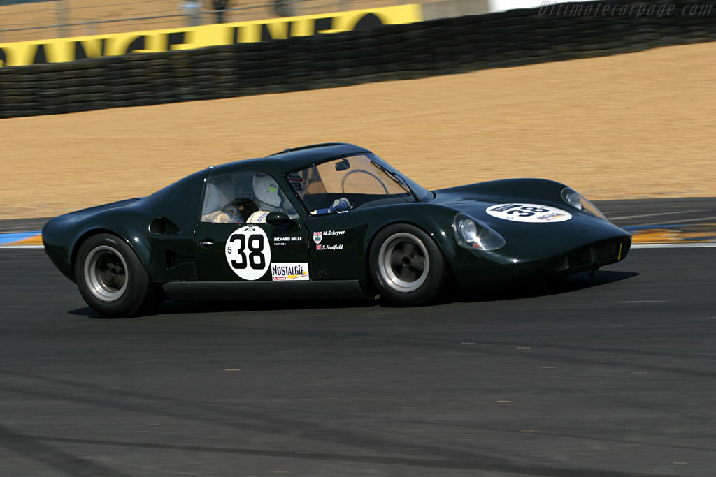 Chevron B6 BMW - Chassis: CH-DBE-2   - 2004 Le Mans Classic