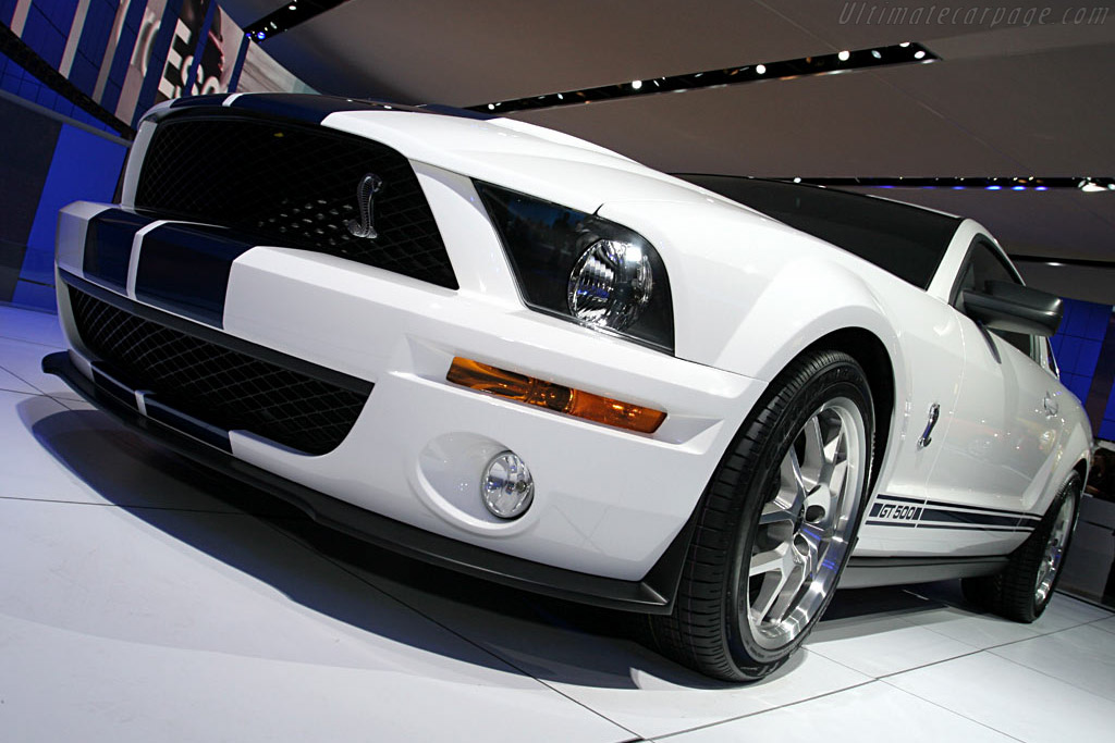 Ford Shelby Mustang GT500 Coupe    - 2006 North American International Auto Show (NAIAS)