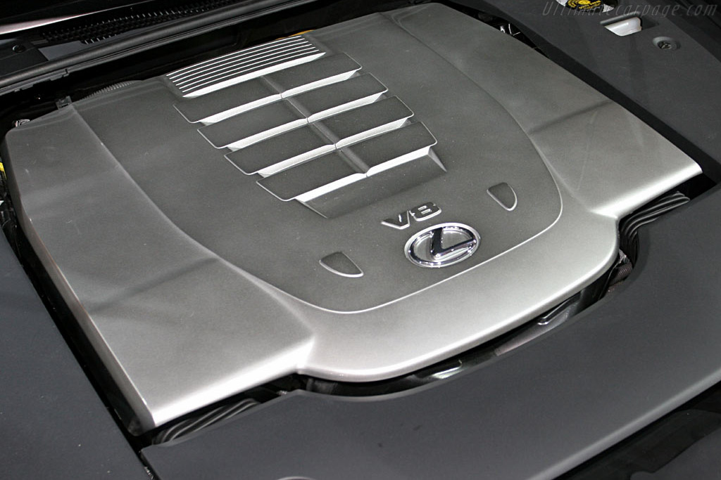 Lexus LS 460    - 2006 North American International Auto Show (NAIAS)