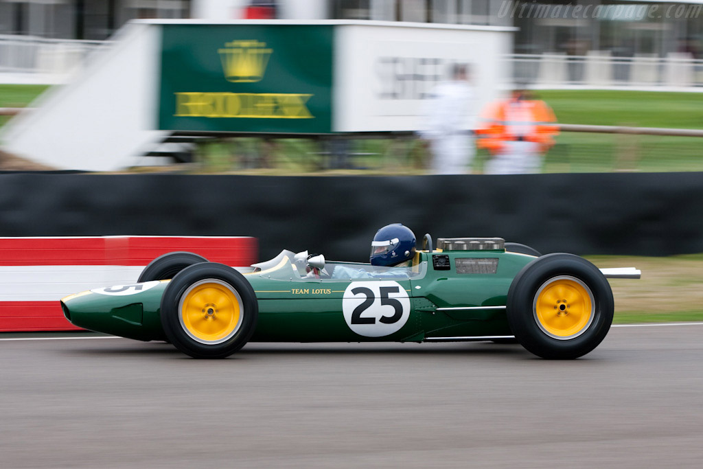 Lotus 25 Climax - Chassis: R3   - 2009 Goodwood Revival