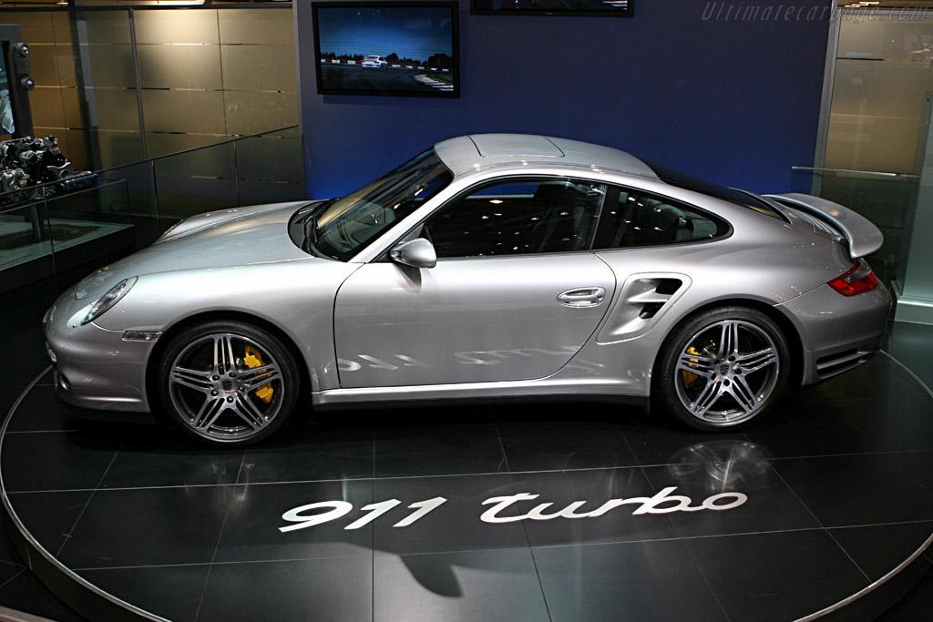 Porsche 997 Turbo    - 2006 Geneva International Motor Show