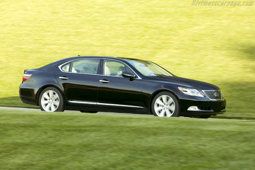 Click here to open the Lexus LS 600h L gallery
