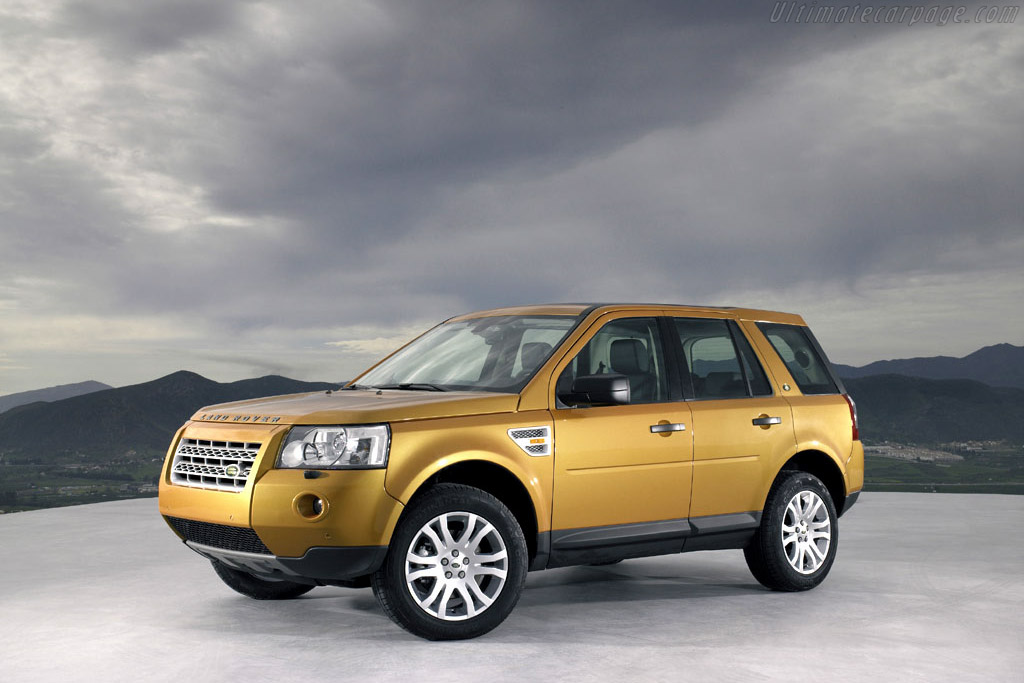 Click here to open the Land Rover Freelander 2 gallery