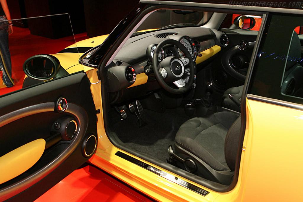 MINI Cooper S Mk II    - 2006 Mondial de l'Automobile Paris