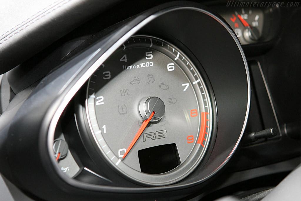 Audi R8    - 2006 Mondial de l'Automobile Paris