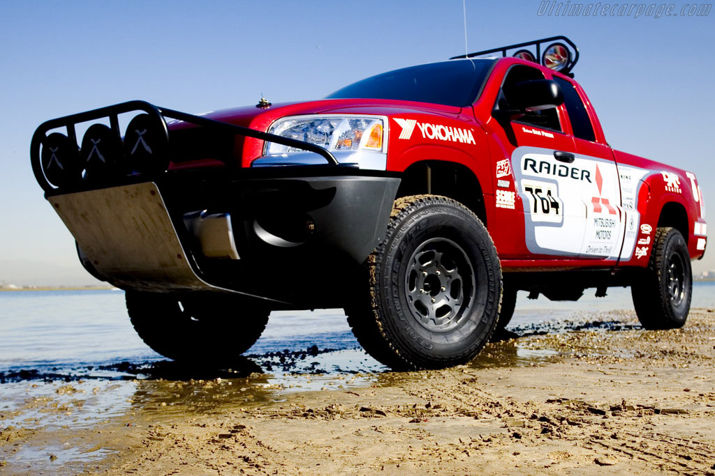 Click here to open the Mitsubishi Baja Raider gallery