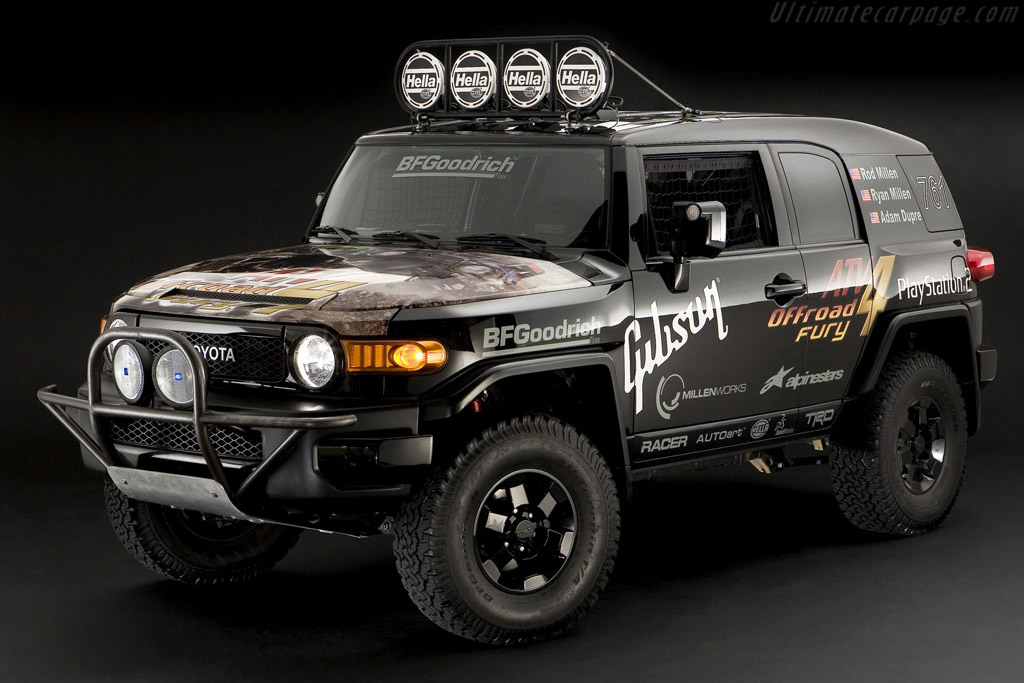 Click here to open the Toyota FJ Cruiser Race Truck gallery