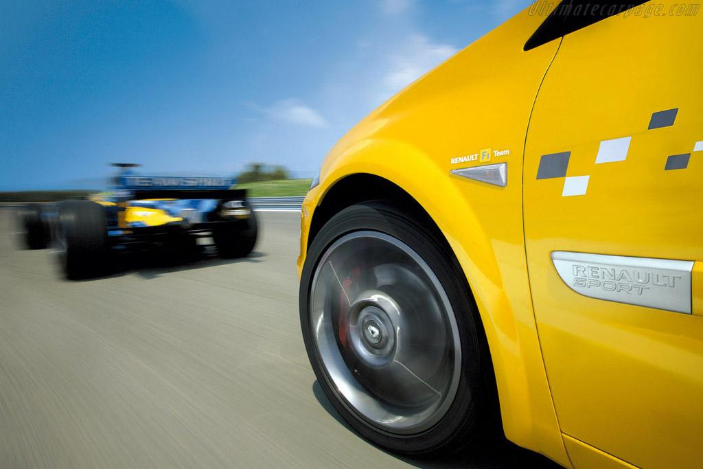 Renault Mégane F1 Team R26