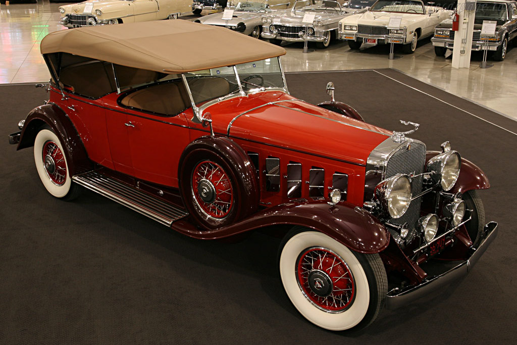 Click here to open the Cadillac 452 A V16 Fleetwood Phaeton gallery