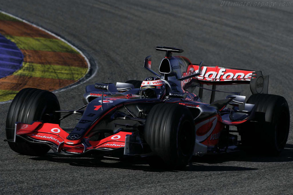 Click here to open the McLaren MP4-22 Mercedes gallery