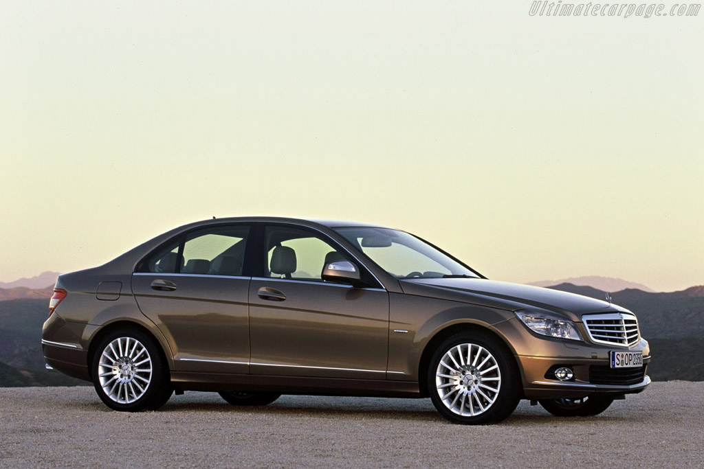 Click here to open the Mercedes-Benz C 350 gallery
