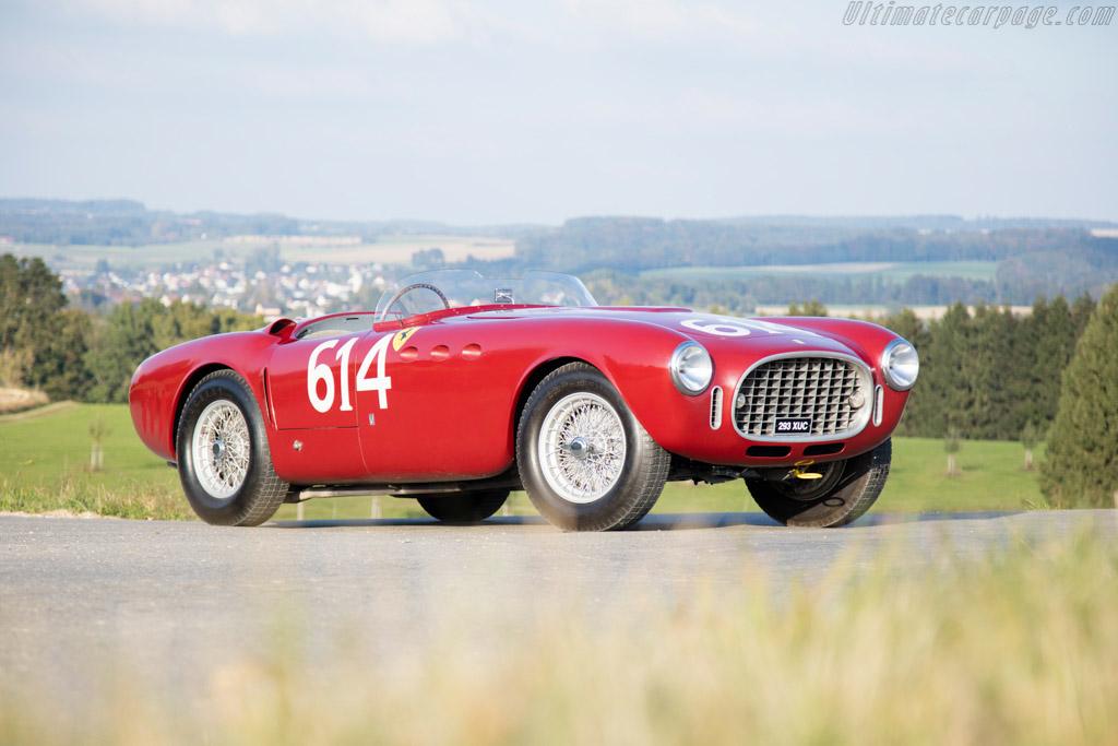 Click here to open the Ferrari 340 America Vignale Spyder gallery