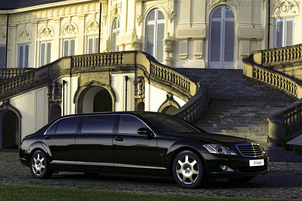 Click here to open the Mercedes-Benz S 600 Guard Pullman gallery