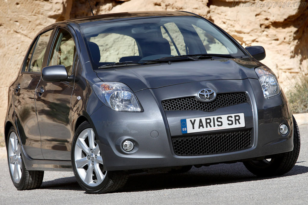 Click here to open the Toyota Yaris SR gallery