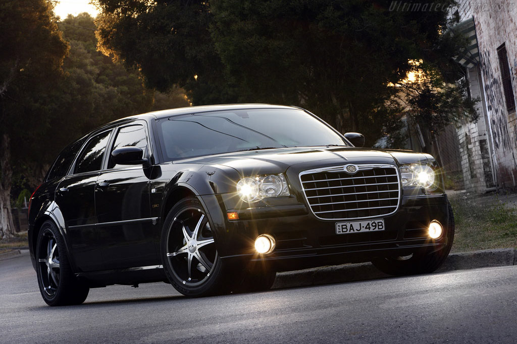 Click here to open the Chrysler 300C SRT8 Touring 'E490' gallery