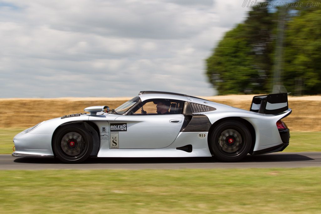 Porsche 911 GT1 Evolution - Chassis: 993-GT1-117   - 2015 Goodwood Festival of Speed